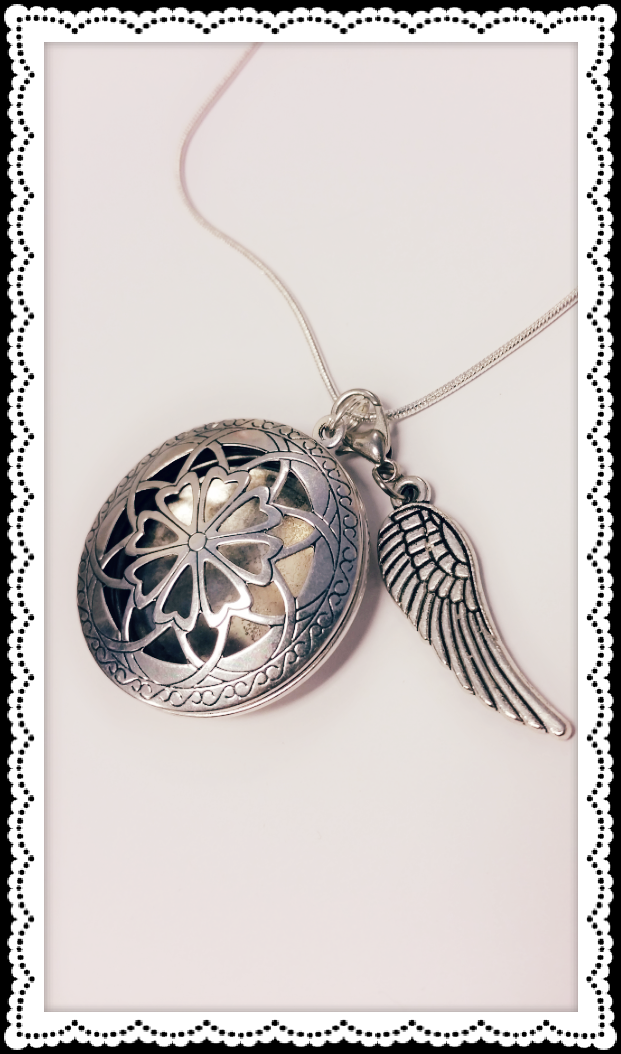 Angel Wing Antique Hearts Essential Oil Diffuser Necklace